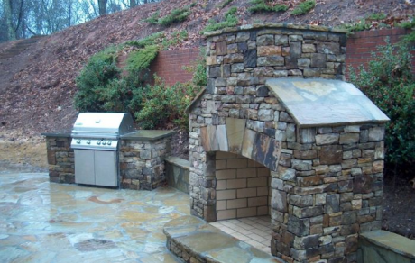 Outdoor Grill and Fireplace