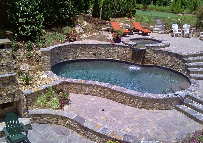 Charmant Custom Pool With Steps And Hot Tub